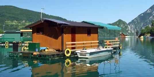Odmor na Perućačkom jezeru