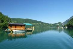 perucac-jezero-splav-kucica-s4