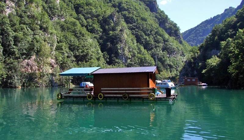 perucac-jezero-splav-kucica-s6