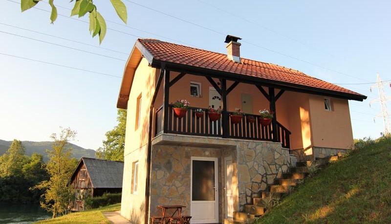 vila-vujic-drina-reka-odmor-s1