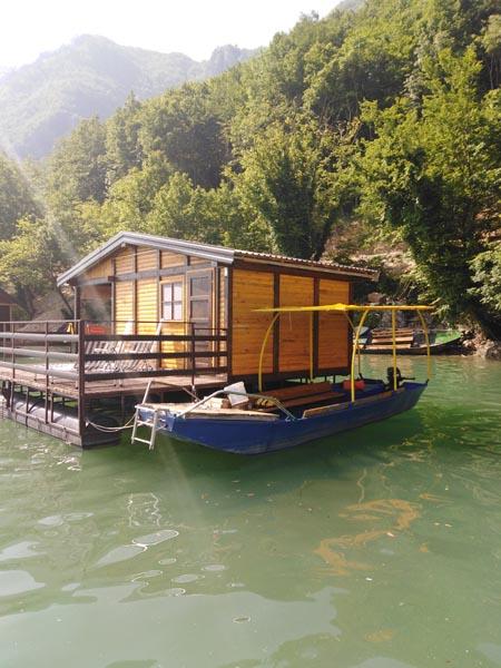 splav-ms-perucac-odmor-na-splavu-smestaj-jezero (5)