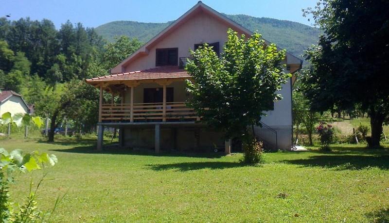 vila-tri-omorike-perucac-s3