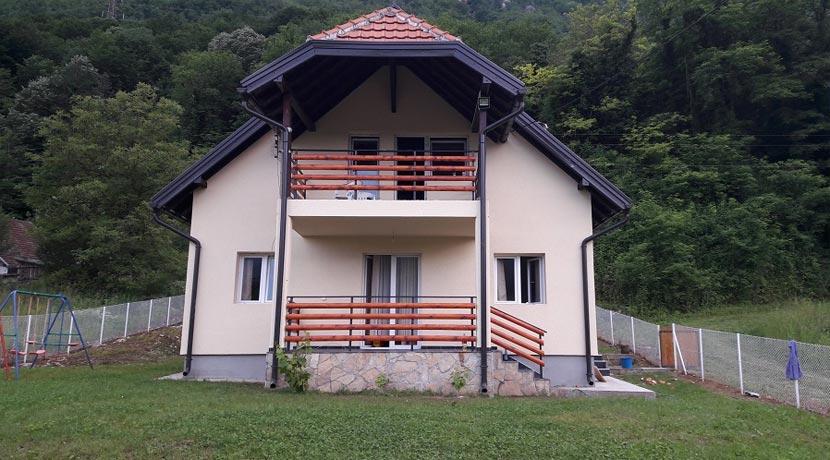 Vila-Andjela-Perucac-smestaj-1