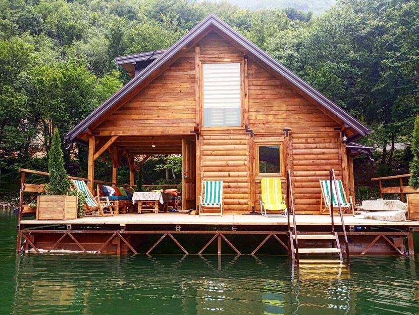 kucica-na-vodi-perucac-sšplav-jezero-odmor (8)