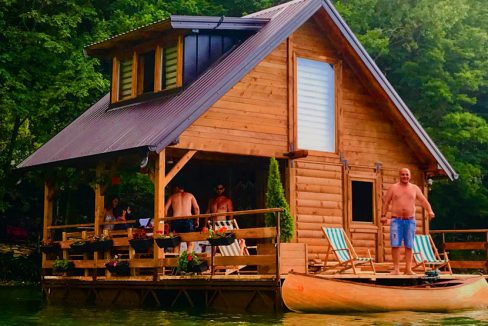 kucica-na-vodi-splav-perucac-jezero-smestaj-odmor (14)