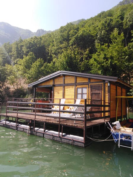 splav-ms-perucac-odmor-na-splavu-smestaj-jezero (2)