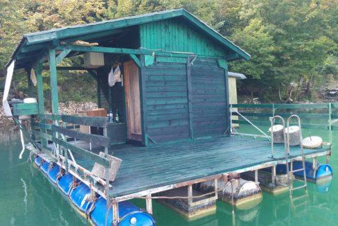 splav-na-jezeru-perucac-smestaj-odmor (3)