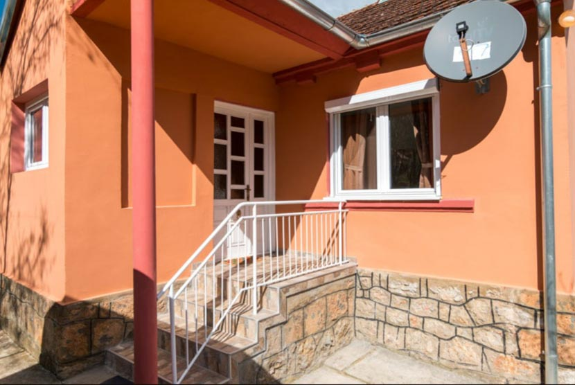 Naxi-Guest-house-perucac-smestaj-9