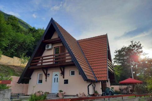 vikendica-sneza-perucac-jezero-smestaj-1