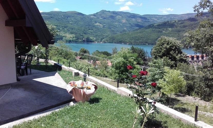 vikendica-sneza-perucac-jezero-smestaj-8