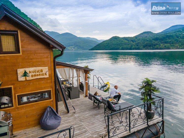 splav-kucica-omorika-jezero-perucac (5)
