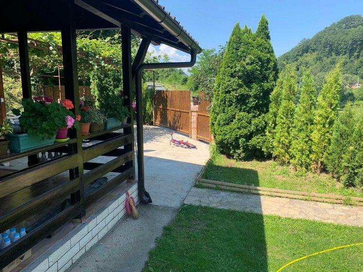 Vikendica-sa -bazenom-Drina-huco-huco-smestaj-10