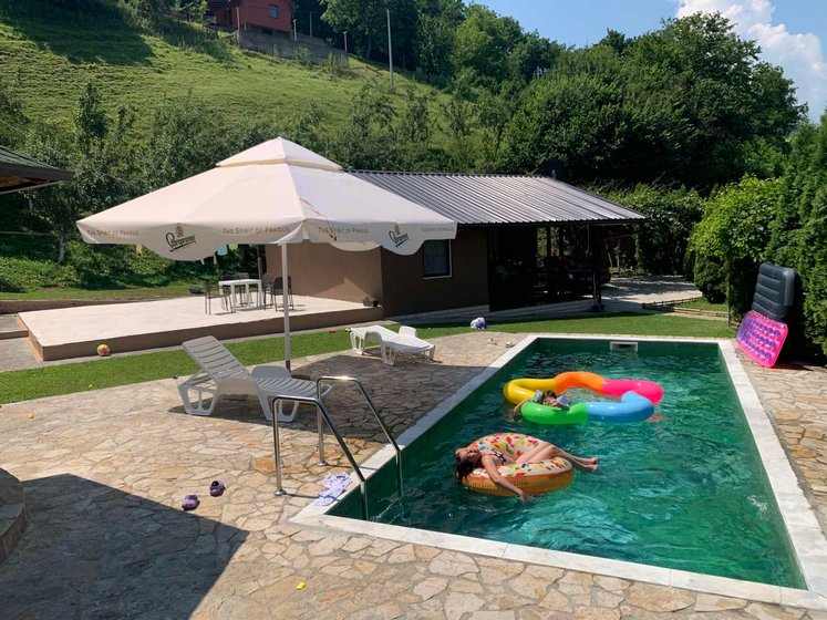 Vikendica-sa -bazenom-Drina-huco-huco-smestaj-2