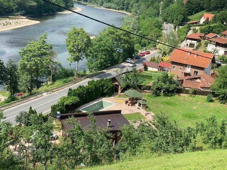 Vikendica-sa -bazenom-Drina-huco-huco-smestaj-6
