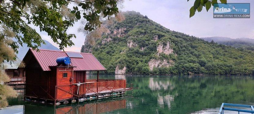 splav-panorama-perucac-smestaj-odmor-2