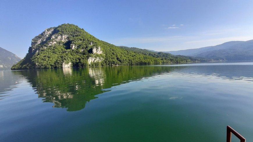 splav-za-odmor-panorama-perucac-smestaj-2