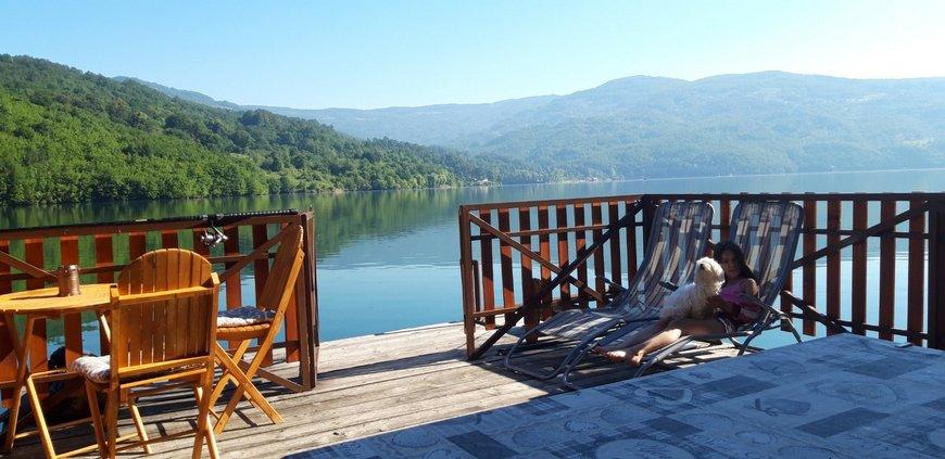 splav-za-odmor-panorama-perucac-smestaj-5