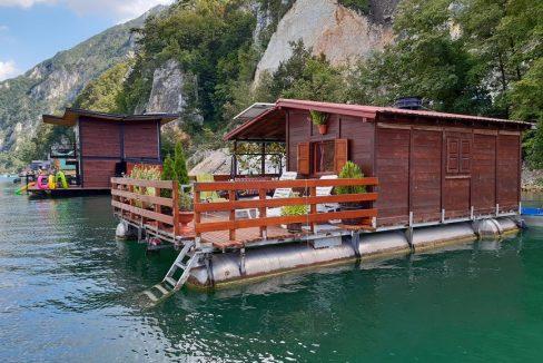 splav-greenraft-perucac-jezero-smestaj-3