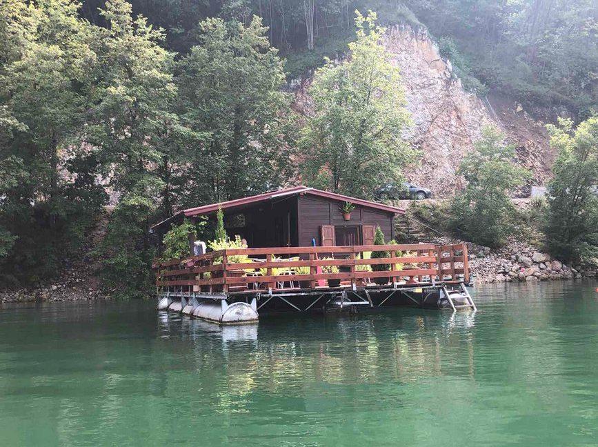 splav-greenraft-perucac-jezero-smestaj-4