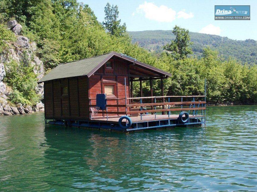 splav-derventa-jezero-perucac-smestaj-1
