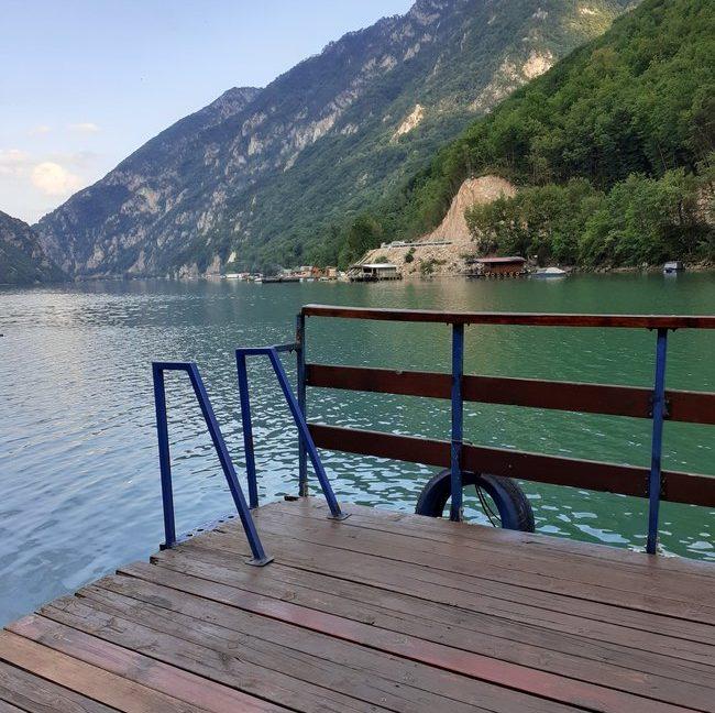 splav-derventa-jezero-perucac-smestaj-4