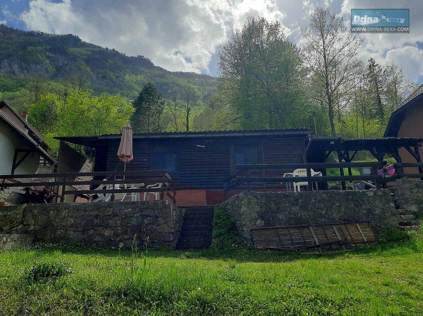 piksijeva-koliba-jezero-perucac-smestaj-3