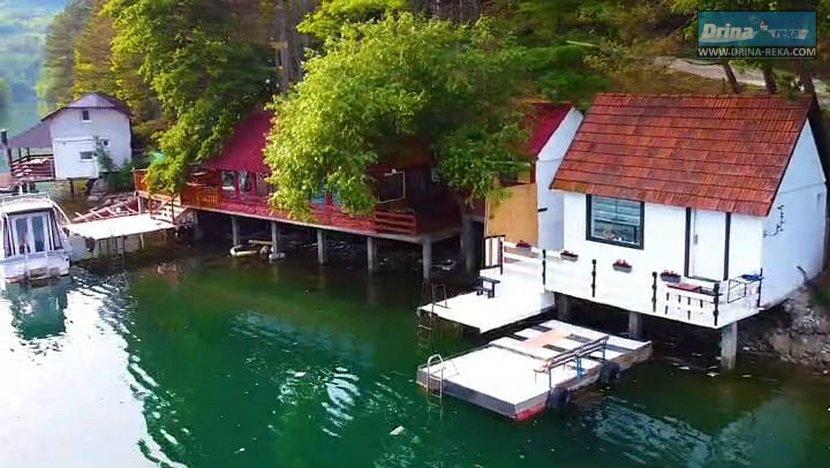 Kućica na vodi BAJKA