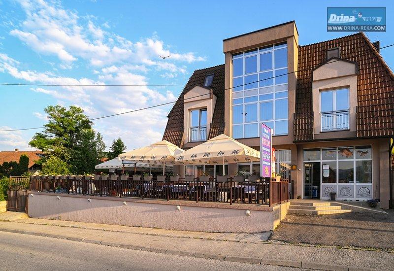 restoran-smestaj-ihthis-bajina-basta (1)