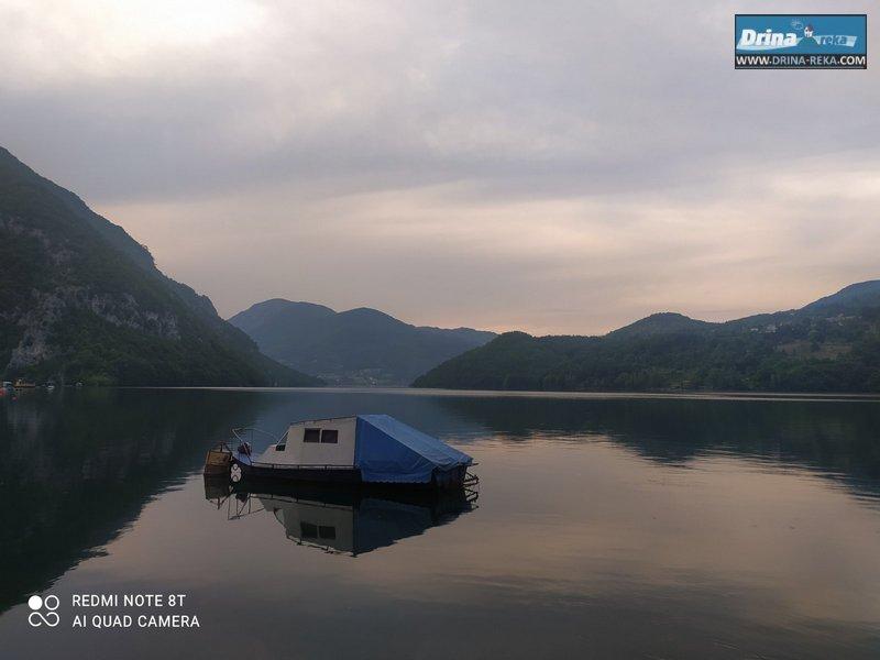 splav-ogi-2-jezero-perucac-20