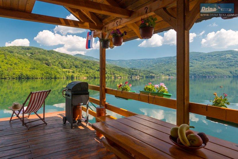 splav-sele-jezero-perucac-smestaj (12)