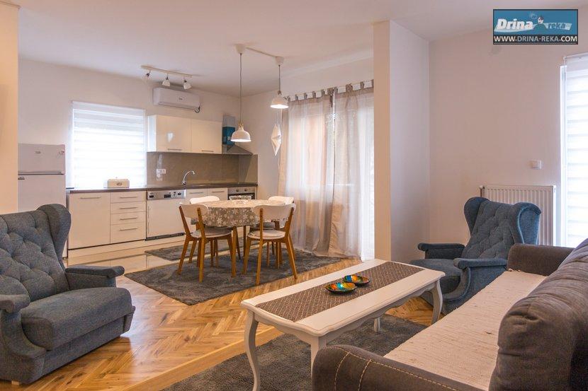 Apartment 67