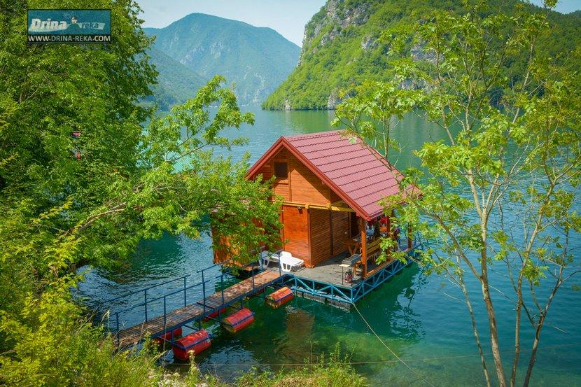 splav-relax-jezero-perucac-smestaj-1