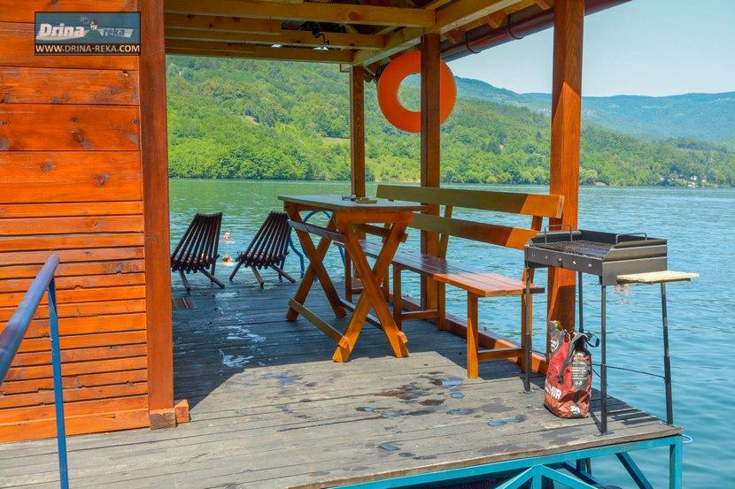 splav-relax-jezero-perucac-smestaj-13