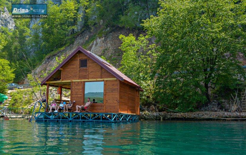 splav-relax-jezero-perucac-smestaj-3