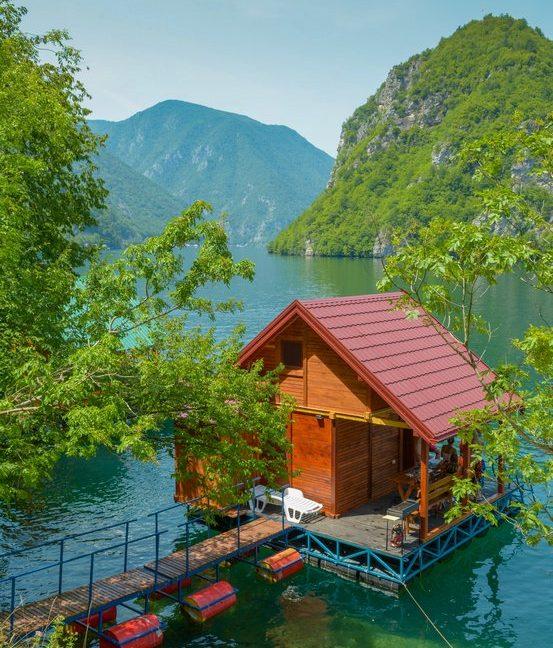 splav-relax-jezero-perucac-smestaj-6