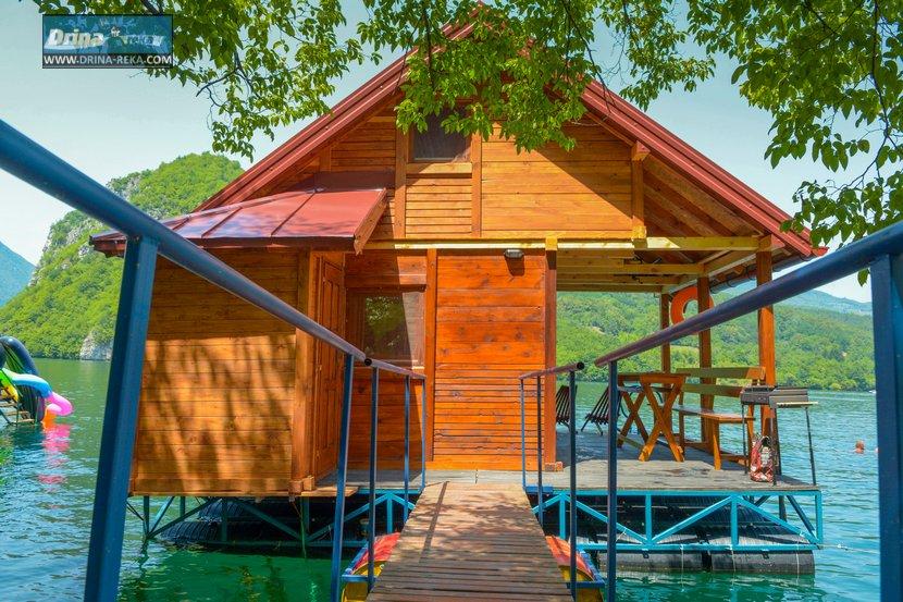 splav-relax-jezero-perucac-smestaj-9
